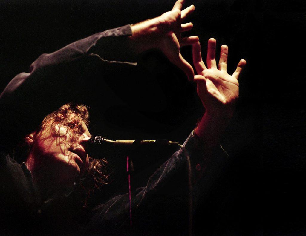 Eddie Vedder Budapest 1996 november 17_43